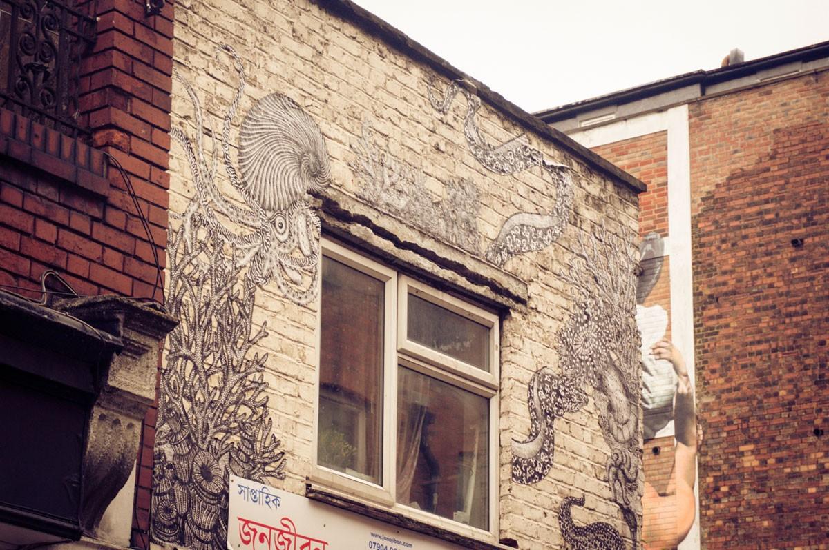 Ninaah Bulles, Londres, Voyage