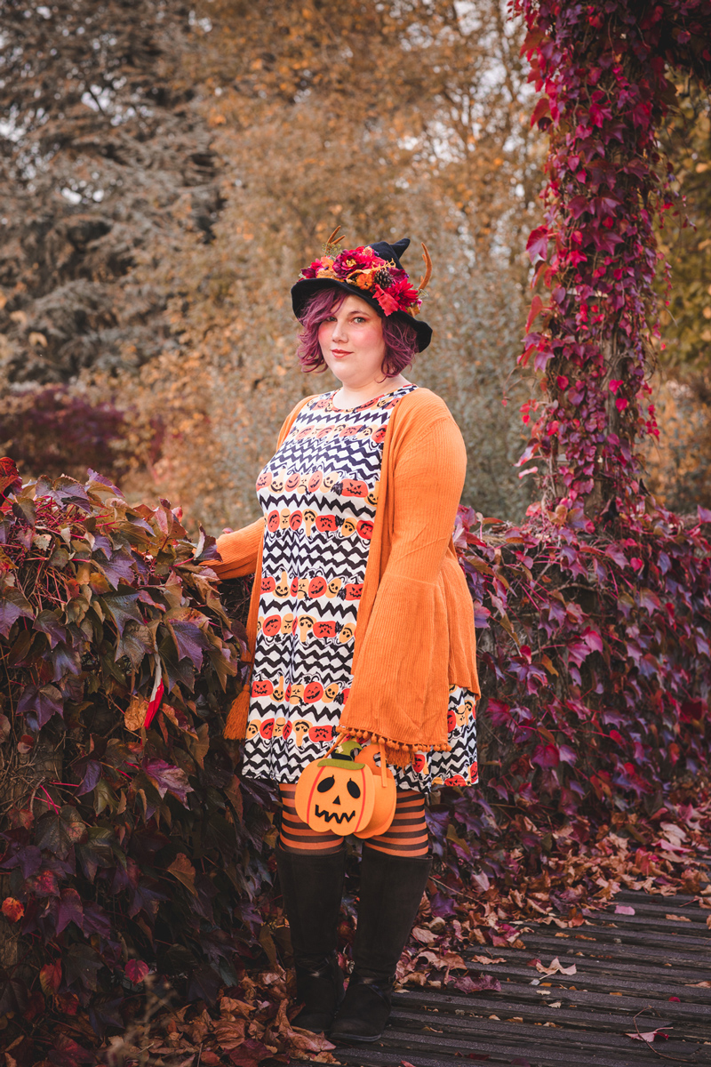 Ninaah Bulles, Halloween, witch, sorcière, costume, citrouille, pumkin, grande taille, curvy, ronde, look, automne, octobre