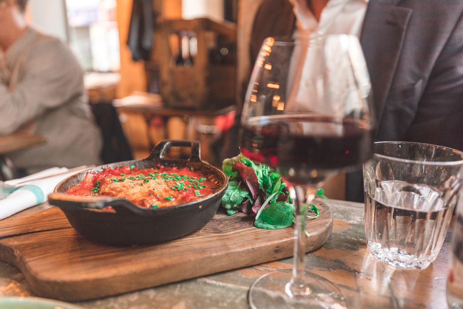 Chez Minnà, restaurant corse, paris, cannelloni, vin rouge